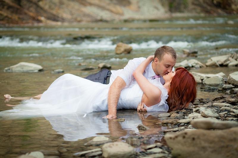Wodna sesja ślubna